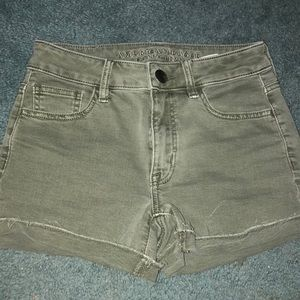 NWOT army green high waisted shorts